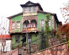 DSC04332 (ebruzenesen - esengül) Tags: old turkey türkiye türkei ev ankara turquia eski yeşil kırmızı ulus taş turkuaz hamamı hamamönü eskievler oldhause şengül ebruzenesen esengülinalpulat