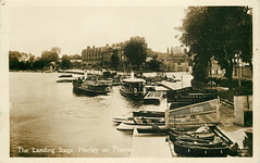 Henley Reach, about 1930 (mgjefferies) Tags: england thames river boats rowing henley oxfordshire 1930 henleyonthames fwjefferies