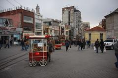 Taksim Square of Istanbul,Turkey (CTPPIX.com) Tags: voyage street trip vacation people food canon turkey eos urlaub turkiye istanbul bagel vendor ctp taksim beyoglu simit turchia istiklalcaddesi turkei 40d simitci ctpehlivan christpehlivan ctppix ctppixcom