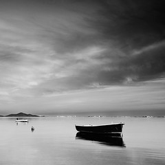 Dark reflection (raul_lg) Tags: longexposure sea sky canon mar agua murcia cielo lee marmenor cartagena largaexposicion losurrutias 5dmarkii 5d2 bigstopper raullg