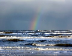 At the end there is a rainbow waiting (Zandgaby) Tags: blue red sea white green beach seaside rainbow waves horizon wave end rough centred