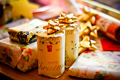 its a wrap.. (Lilla~Rose) Tags: christmas uk wrapping paper december advent gifts presents present ribbon 365 bows presentwrapping 25daysofchristmas