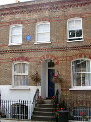 Photo of Charlie Chaplin blue plaque