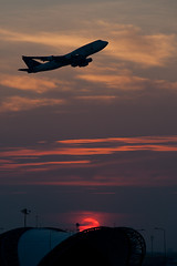 Suvarnabhumi Airport #3 (thai-on) Tags: sunset airplane airport nikon d3 samutprakan totallythailand