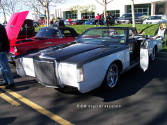 1976 / 79 Lincoln Mark V / John Force Car Show Christmas 2011 (pmadsidney) Tags: christmas ford hollywood lincoln pontiac kaiser chrysler mustang 2011 grahampage johnforcetoysfortotscarshowyorbalindacalifornia