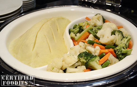 Steamed vegetables and mashed potatoes