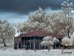 Maidenwell Homestead (TONY F WHITE) Tags: infrared nik 28300mm lightroom canoneos30d niksoftware oldandbeautiful