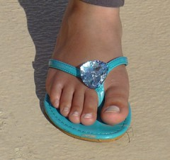 (Tellerite) Tags: feet toes sandals flipflops barefeet beautifulfeet prettytoes sexytoes sweetfeet prettyfeet sexyfeet girlsfeet femalefeet teenfeet femaletoes candidfeet beautifultoes younggirlsfeet youngfeet baretoes girlstoes girlsbarefeet teentoes teenagefeet teenagetoes teengirlsfeet girlsbarefoot youngfemalefeet candidtoes youngfemaletoes