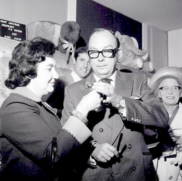 The World S Newest Photos Of Morecambe And Wise Flickr
