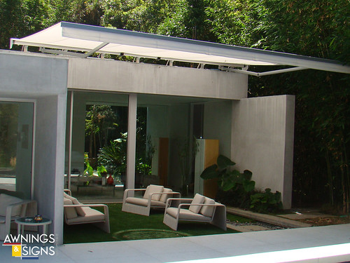 Modern Retractable Awning 04