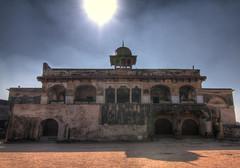 Daulat Khana-e-Khas-o-Aam (viralstile) Tags: old pakistan shadow sun architecture dark asia explore punjab noise lahore oldbuilding lahorefort archaic mughal oldstructure mughalarchitecture hallofpublicaudience diwaneaam diwaneam halloftheordinary daulatkhanaekhasoaam diwaneaamback diwaneam diwaneamback