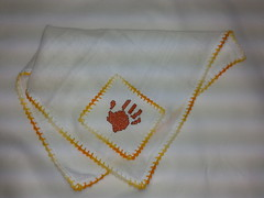 Fralda de Boca - Mãozinha F009 (SaluArts) Tags: de pano cruz infantil bebê boca ponto paninho fralda fraldinha enxoval