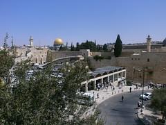 Muro de las Lamentaciones. Jerusaln (Israel). (manuelvillenavillar) Tags: israel ciudad urbano turismo farolas coches urbanismo religin jerusaln arquitecturareligiosa infraestructura devocin geografaurbana