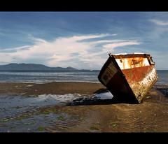 Stranded Souls (Giuseppe Suaria) Tags: sea indonesia islands boat mare ship tide low east nave wreck della lesser spiaggia pulau nusa bassa relitto marea solor sunda sonda isole lembata tenggara spiaggiata lomblen lewoleba