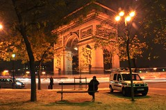 Arc de Triomphe (Arc de Triomphe de l'toile) (madhawk-clk's) Tags: paris love couples honeymoon romantic romance eiffel tower monuments fountains people arc de triomphe norte dam louvre musee