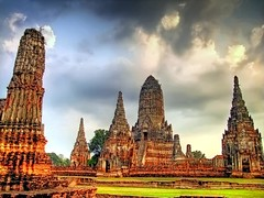 Moody Skies over Wat Chaiwatthanaram (UNESCO) | Ayutthaya | Thailand (I Prahin | www.southeastasia-images.com) Tags: travel sunset summer sky brick statue stone night thailand temple dusk buddha destruction buddhist unesco explore sacred historical burmese chai goldenhour worldheritage ayutthaya meru chedi chaophrayariver prang explored watchaiwatthanaram  khmerstyle watthanaram traiphumphraruang prasatthong