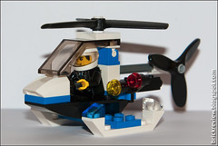 Minihelicopter @ Lego 4991 (Rinaldofr) Tags: city game brick lego police helicopter canon30d 4991 canonef24105f4is