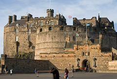 Edinburgh Castle (stephengg) Tags: castle scotland edinburgh day sunny esplanade dn ideann