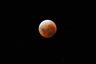 Lunar Eclipse - 11 December 2011 - 1:07am (340mm, ISO1250, f4.8)