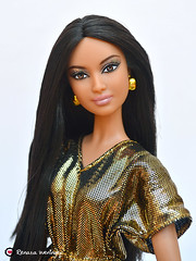 #4-002.5 (* Rezinha *) Tags: toy toys doll metallic goddess barbie boneca fashiondoll mattel collector model4 topmodel 40025 kimkardashian modelmuse collection21 collection25 colecionvel collection0025