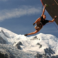 photo boillon christophe / photo au carr escalade & sport / il danse avec le vide (BOILLON CHRISTOPHE) Tags: sport montagne focus expo danse explore climbing chamonix pdc regard escalade colorphotoaward nikond3