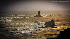Pointe du Raz (Photoskatto) Tags: light sea panorama holiday france nature colors composition photoshop landscape photography landscapes photo brittany europa europe flickr european mare dof shot eu location explore acr dslr vignetting colori francia efs touring luce composizione breathless flipside lowepro prophotographer cs3 bretagna cameraraw c41 canonlens presets vignettatura inquadratura 40d eos40d canon40d acrpresets exposureprogram aperturepriorityae vignettattura luigiscattolin
