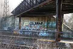 (Into Space!) Tags: city bridge urban ny newyork graffiti li overpass longisland queens if roller graff ja xtc lirr trap bombing throw fill sane floater celf longislandrailroad fillin jick throwie sih jaone intospace
