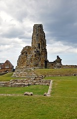 4702 (benbobjr) Tags: uk england cliff heritage church abbey lady religious ruins christ unitedkingdom yorkshire religion north ruin dracula christian east henry monastery northumbria whitby christianity benedictine henryviii northyorkshire hilda whitbyabbey listedbuilding caedmon anglosaxon englishheritage gradei eastcliff monasteries bramstoker kinghenry dissolution benedictineabbey synod dissolutionofthemonasteries gradeilistedbuilding cholmley oswy streoneshalh kingofnorthumbria ladyhilda streonshal oswiu synodofwhitby whitbymansion cholmleys
