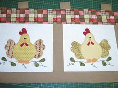 Bandô de cozinha (Zion Artes por Silvana Dias) Tags: chicken cortina galinha quilt patchwork cozinha aplicação patchcolagem bandô bandôdecozinha patchapliqué bandôdegalinhas zionartes