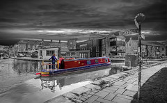 Skipton (EtienneSA) Tags: travel england water beautiful buildings landscape boats photography town canal nikon europe dynamic natural yorkshire scenic wideangle tourist tamron hdr narrowboat northyorkshire skipton leedsliverpoolcanal photomatix infinestyle panoramichdr thebestofhdr