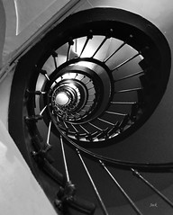 @ Paris (Jack from Paris) Tags: bw paris stairs lens prime noir angle wide snail nb ellipse 20mm monochrom et blanc escargot bois f40 escaliers nikkoraf20mmf28d nikond700 jpr1222d700