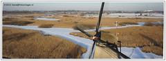 Kinderdijk van boven (Fotovlieger (aka hanselpedia)) Tags: winter kite holland netherlands windmill bevroren sneeuw nederland aerial kap kinderdijk luchtfoto ijs windmilen
