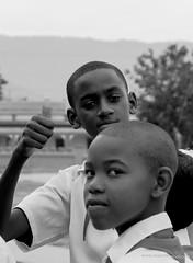 los nios cubanos - Cuban boys (www.massimonicoli.com) Tags: black color boys los colore negro cuba young nios cuban nero chicos joven sympathy simpatia giovani ragazzi cubanos simpata cubani