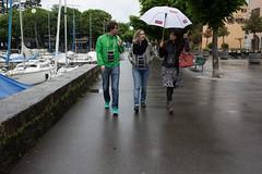 Walking in the rain (Sven Vietmeier) Tags: port suisse olivia promenade quai spaziergang vaud regenschirm 2016 lutry cavesouvertes cavesouvertesvaudoises