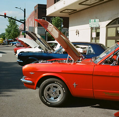 (donfogle63) Tags: 6x6 mediumformat kodak mat 400 124g portra yashica carshow owensboro sekonic l308s