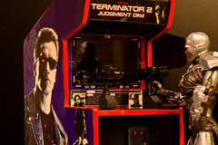 Cyborg's favorite game (atari_warlord) Tags: actionfigure arcade cyborg terminator midway injustice terminator2 375 judgementday dcdirect bigjw justinwhitlock injusticegodsamongus