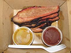 Memphis Minnie's Brisket (Pest15) Tags: fork sauces brisket memphisminnies nationalbrisketday memphisminniesbrisket