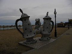 Kettles (cod_gabriel) Tags: beach seaside sand resort kettle bulgaria tiles litoral blacksea seasideresort sandybeach kettles nisip plaja goldensands ceramictiles summerresort plajă theblacksea statiune nisipuriledeaur mareaneagră staţiune bulgarianseaside ceramică litoralulbulgar litoralulbulgăresc bulgarianriviera българскочерноморие rivierabúlgara