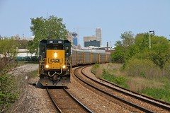 Greves (Nick Brown 261) Tags: train milwaukee locomotive emd railraod railfanning csxt railfanin