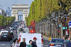 Crossing the Champs-Elysees (AntyDiluvian) Tags: trip paris france champselysees arcdetriomphe placedelaconcorde 2015 avenuedeschampselysees