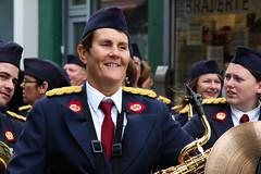 Belgique - Bruxelles - Marolles - Fte de Breugel (saigneurdeguerre) Tags: brussels europa europe belgium belgique band belgi bruxelles folklore ponte fte rue brssel brussel belgica bruxelas musique haute belgien m