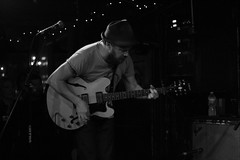Pete Quirk (Tracy Vanessa) Tags: concert sandiego thecasbah thecavesingers
