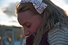 disfrutar del sol (herr_der_inge) Tags: barcelona portrait sun girl beauty spain nikon dof bokeh portrt vale blond blonde frau sonne 18105 schn d90 tiefenunschrfe myfuji