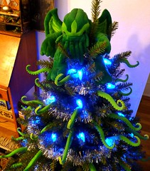 Cthulhu tree topper (liquidnight) Tags: christmas xmas blue decorations tree green home oregon silver portland toy lights holidays garland plush cthulhu lovecraft pdx decor hplovecraft topper tentacles ovo archiemcphee eldritch tentacular cthulhufhtagn cthulhumas phngluimglwnafhcthulhurlyehwgahnaglfhtagn liquidnight