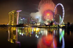Singapore Countdown 2012 Fireworks : The Last Burst : (Kenny Teo (zoompict)) Tags: park city longexposure light sky news reflection building tourism water beautiful skyline architecture night last canon wonderful river lens landscape photo yahoo google amazing scenery cityscape photographer waterfront view fireworks wave tourist casino best esplanade getty wanted burst kenny singaporeriver marinabaysands bestphotographer bestscenery zoompict eos5dmark2 kennyteo singaporelowerpiercereservoir singaporenewyearcountdown2012fireworks newyearcountdown2012