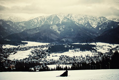 Savoring the moment (ewitsoe) Tags: city vacation snow ski mountains cold nikon skiing view poland visit vista slovakia newyears skier slope tatras tatra gubalowka 2035mm d80 zakopana