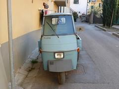 Ape 50. Alpine. Greve in Chianti. P1140449 (mansionmedia simon knight) Tags: italy chianti greve threewheel ape50 mansionmedia