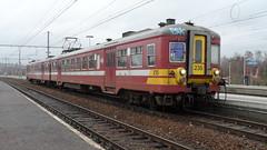 AM 235 - L43 - ANGLEUR (philreg2011) Tags: train trein nmbs angleur sncb l43 amclassique am235 l5563 l5550