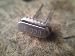 Cristal de 16 Mhz (arduinolabs) Tags: cristal arduino standalone