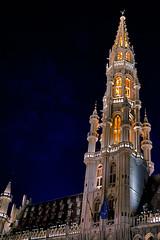 Brussels - tower of the cityhall (vale0065) Tags: brussels tower night long belgium belgie grandplace toren cityhall markt brussel lang stadhuis grote sluitertijd shuttertime